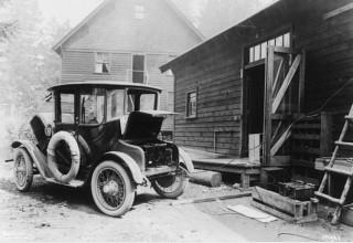 Самый первый автомобиль, разогнавшийся до 100