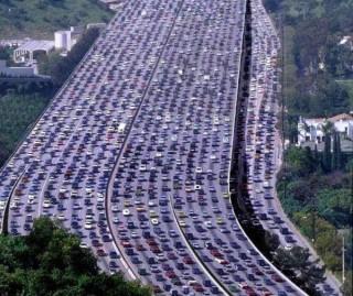Самая длительная и изнурительная автомобильная пробка в мире